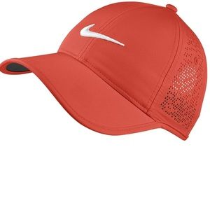 NikeGolf Women's Perforated Hat